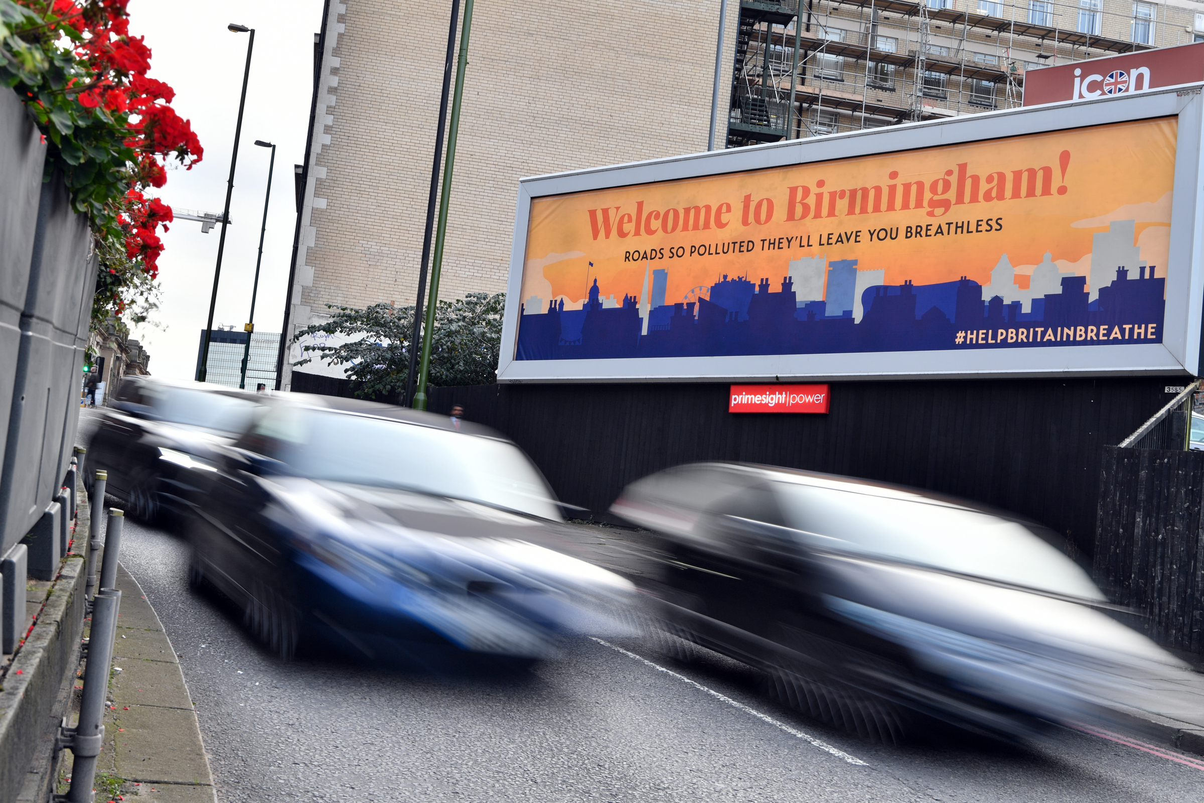 Hard-hitting cleaner air billboard campaign launches on polluted Birmingham road
