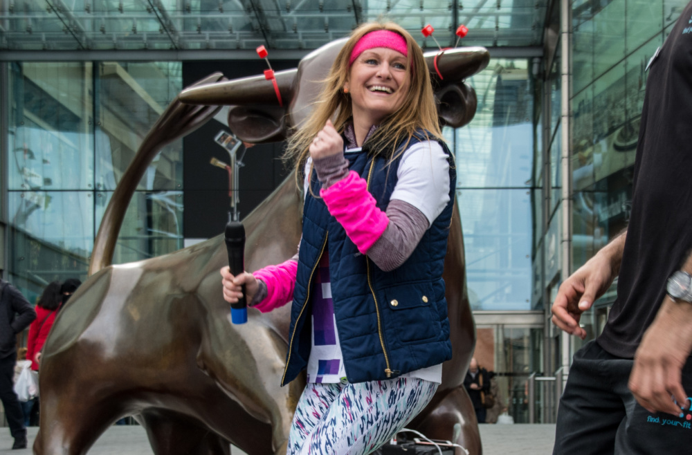 6 photos of Bullring shoppers getting their groove on for Sport Relief