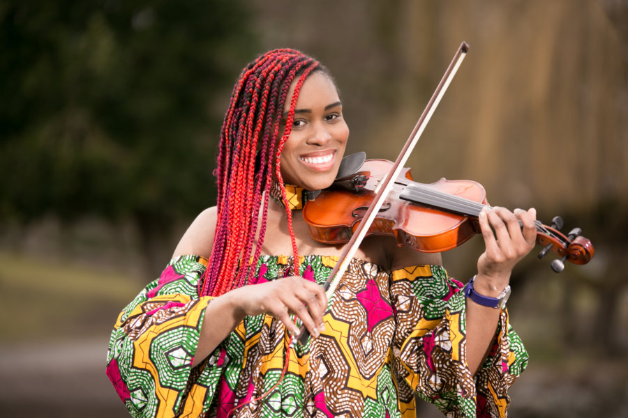 Classical Violinist Melika Queely 01
