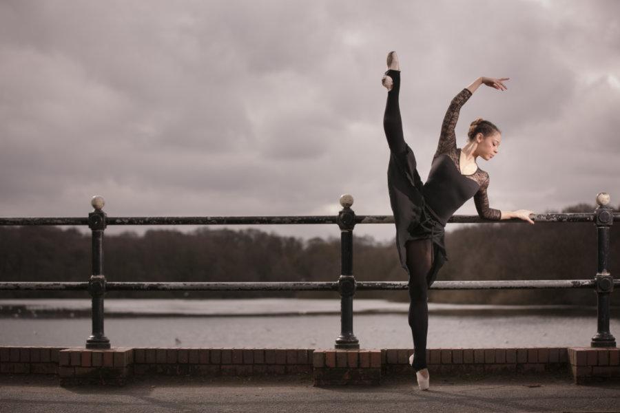 Classical ballerina Ana Richards 01