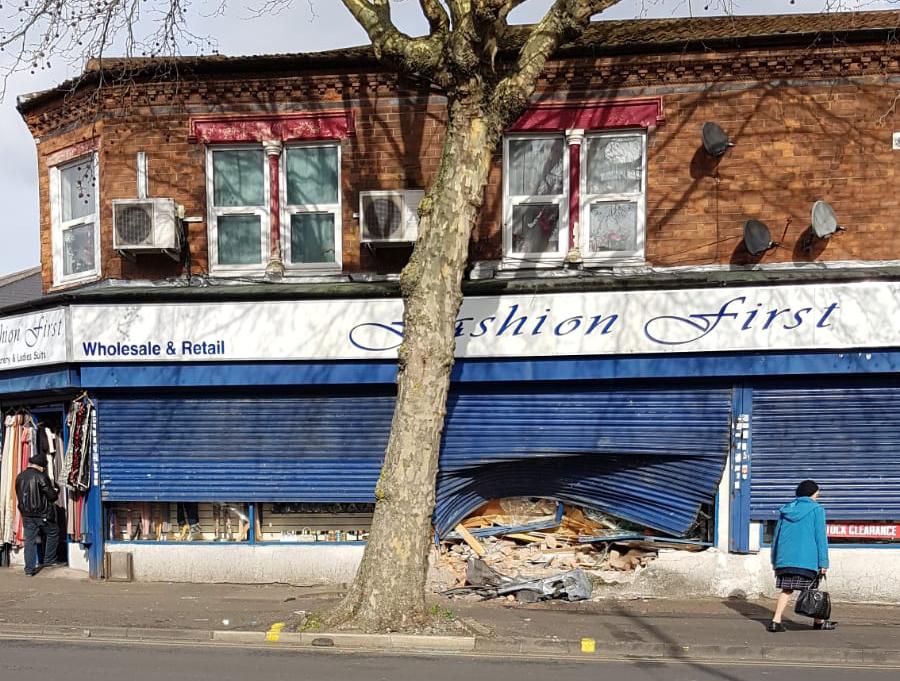 Criminals ram-raid into fashion store in Alum Rock Road