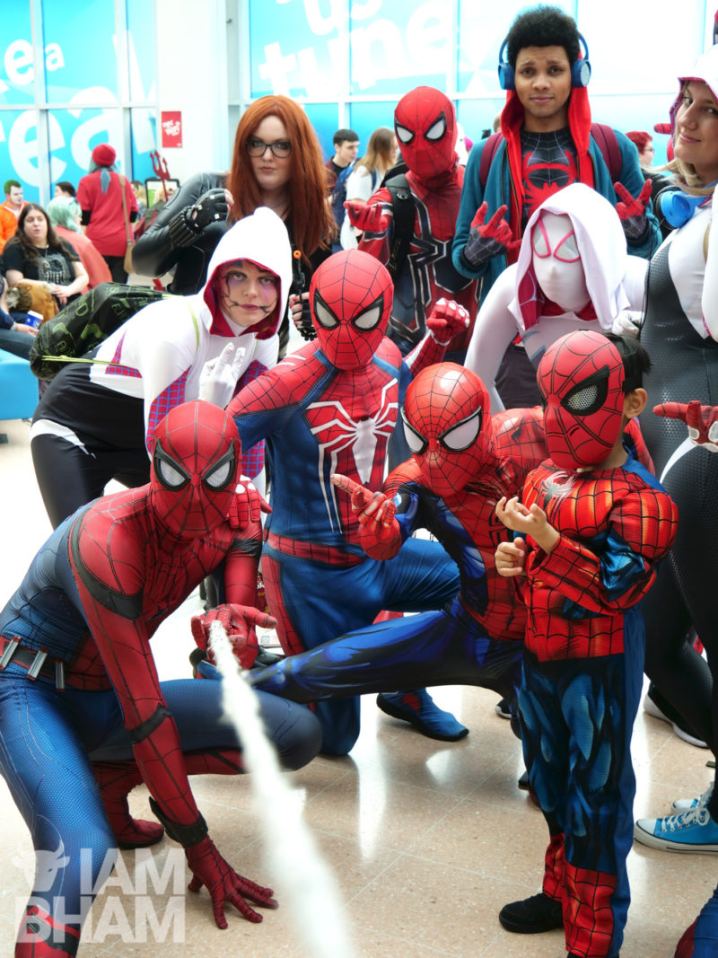Spiderman Spiderverse costume cosplay