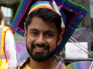 11+ Awesome Photos of Queer Muslims Owning Pride!