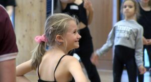 Talented deaf young people gather in Birmingham to show off performance skills