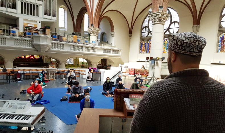 Amazing act of unity as church welcomes Muslim worshippers and Germany vows to tackle Islamophobia