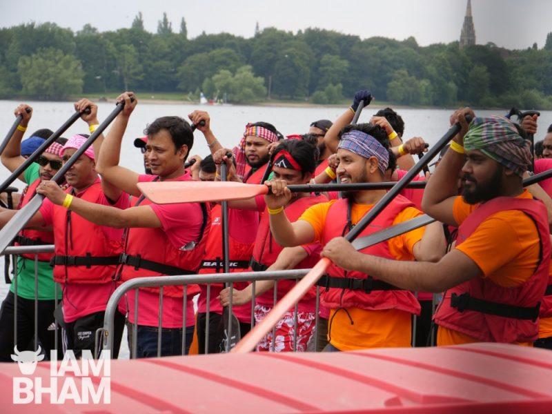 Boat racers practising before racing