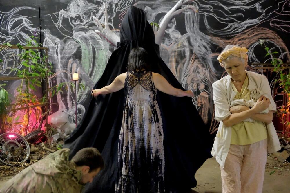 REVIEW: Descent – a dark metaphysical journey towards light