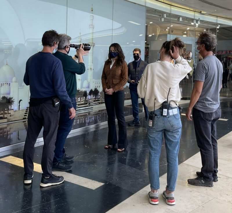 Christopher McQuarrie directs Tom Cruise and Hayley Atwell in Grand Central Birmingham